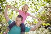 Očevi su pažljiviji prema ćerkama nego prema sinovima