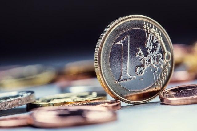 Evro pred kolapsom? Upozorenje da mu nema pomoći