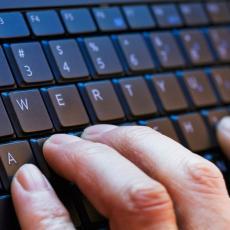 Očistite tastaturu za manje od pola minuta! (VIDEO)