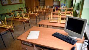Od 19. aprila stariji osnovci i srednjoškolci kreću u školu