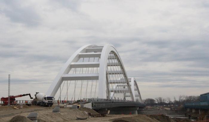Od aprila vozni saobraćaj preko novog drumsko-železničkog mosta