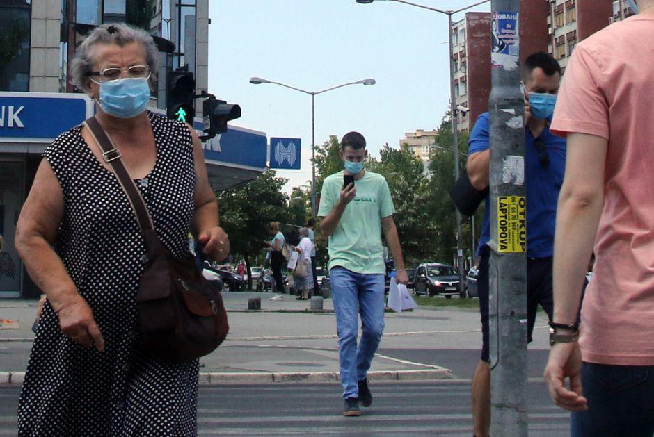 Od danas obavezne maske i na otvorenom, zabranjeno okupljanje više od 10 ljudi
