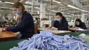 Od krojačica do hotelijera, privrednici pomažu u borbi protiv epidemije
