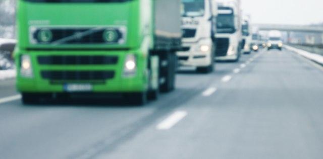Od svakog rezervoara 500 EUR državi, prevoznici odlaze iz Srbije