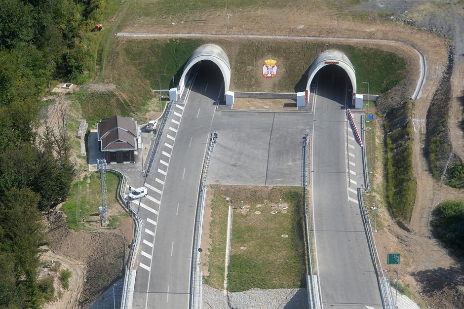 Od ponoći autoputem Obrenovac - Čačak za SAT VREMENA!