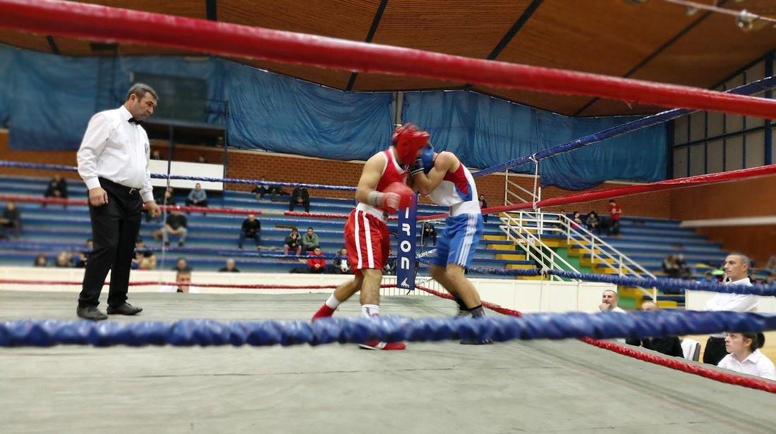 Odloženo finale boksera Loznice i Radničkog