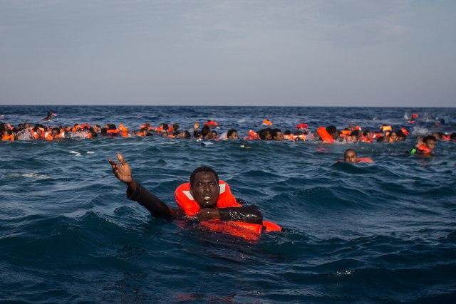 Brod više ne spasava migrante; Biće više mrtvih na moru