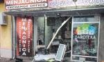 Odneli sef, sve u lokalu polomili: Trojica osumnjičenih za pljačku menjačnice u Baču danas na saslušanju