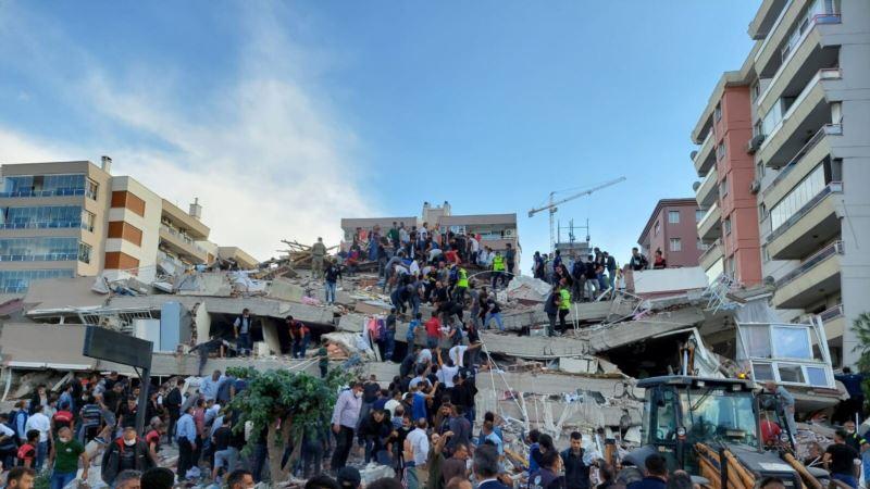 Odnosi Grčke i Turske otoplili posle smrtonosnog zemljotresa
