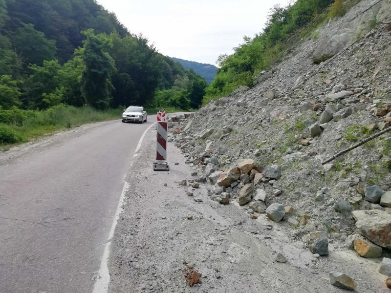Odroni na putu od Vlasotinca ka Crnoj Travi, sanacija do kraja avgusta