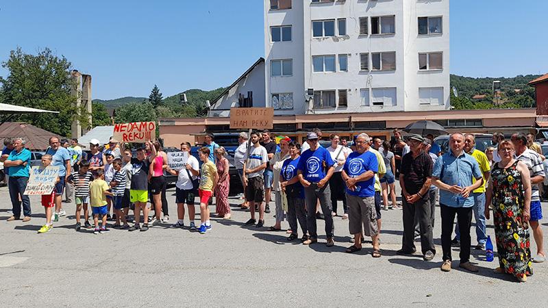"""Održan protest """"Za spas Zlotske reke"""""""