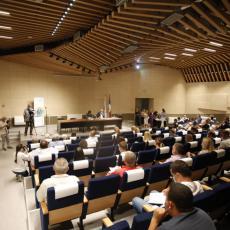 Održana konstitutivna sednica Skupštine opštine Zemun: Potvrđen mandat odbornicima i izabran predsednik skupštine
