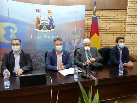Ofanziva protiv korone u Vranju: Tim iz Beograda započeo sastanak sa nadležnima na lokalu