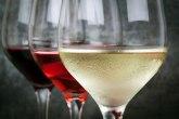 Ohladite vino za tri minuta, treba vam samo voda i so