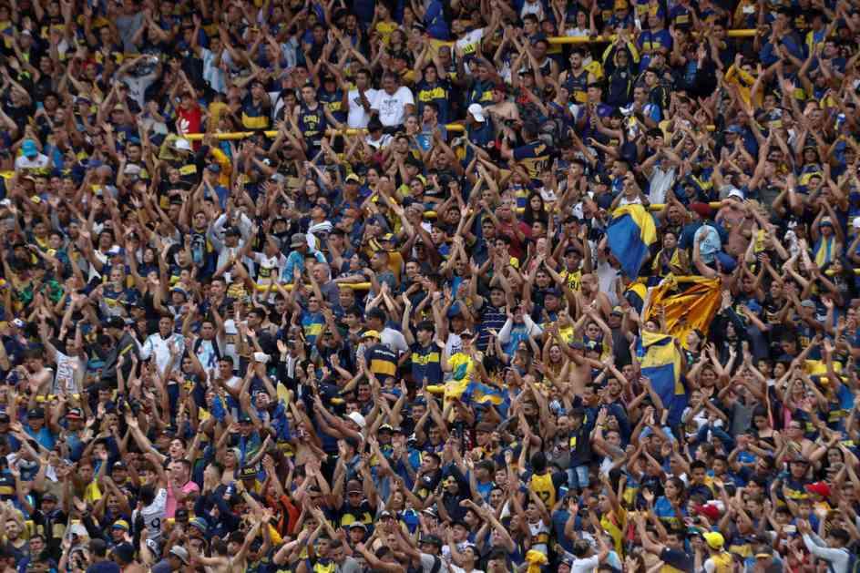 Oko 50.000 navijača Boke na treningu pred finale sa Riverom (VIDEO)