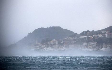 Olujno jugo stvorit će nove probleme na priobalju