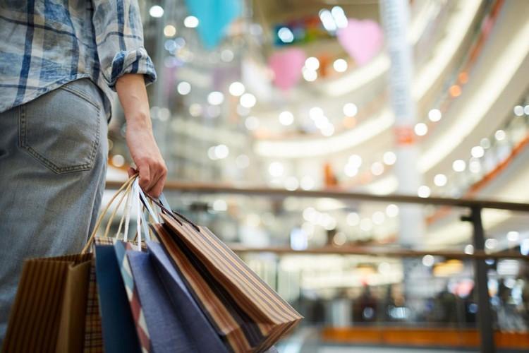 Onlajn prodaju zamjenjuje klasični šoping, kupovina putem interneta u padu
