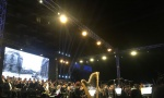 Operski spektakl kraj reke