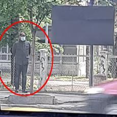 Opljačkana menjačnica u Zemunu! Kamere sve snimile: Ako prepoznajete ovog čoveka odmah se javite (FOTO)