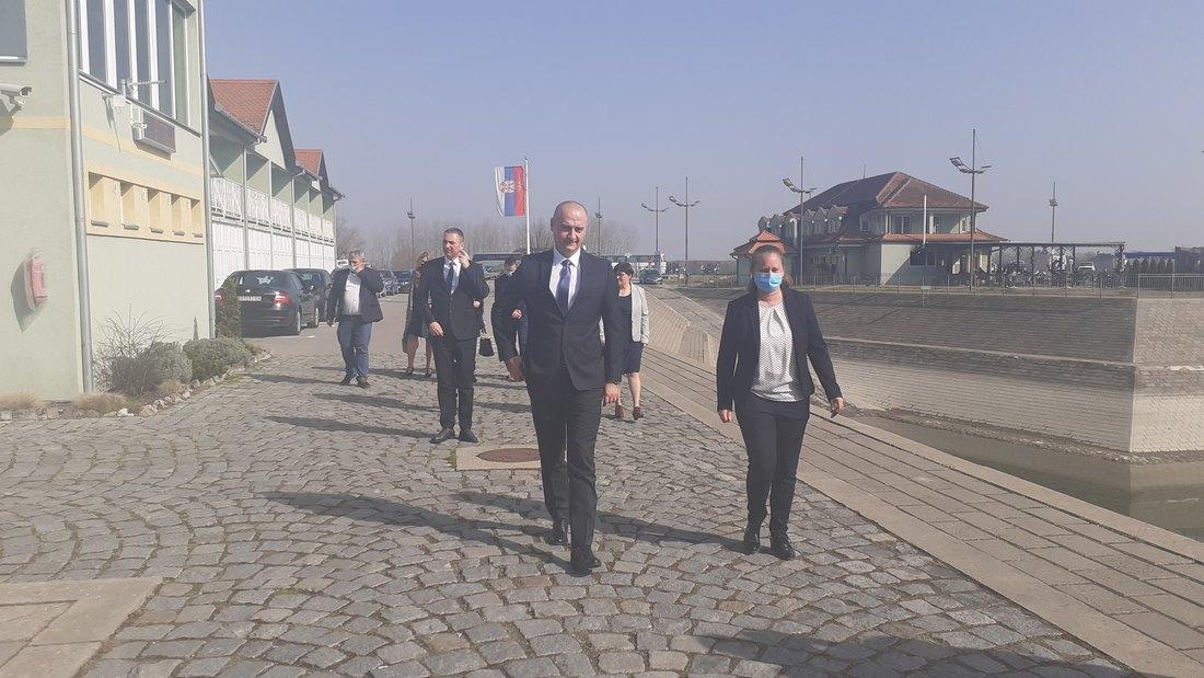 Opredeljenje Pokrajinske Vlade da se mnogo više pomogne privredi i turizmu
