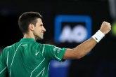 Novak objasnio zašto nosi zelenu opremu
