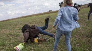 Oslobođena snimateljka koja je šutirala migrante