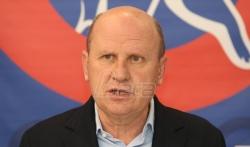 Oslobodjenje: Režim otvara naše pakete i oduzima nalepnice sa natpisom Vučić izdajnik