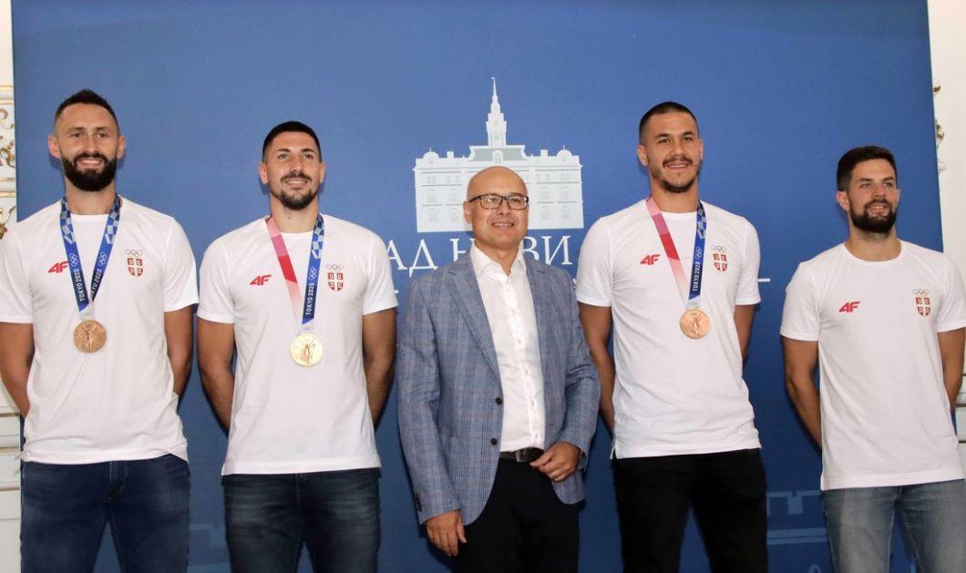 Osvajači olimpijske medalje u basketu kod gradonačelnika