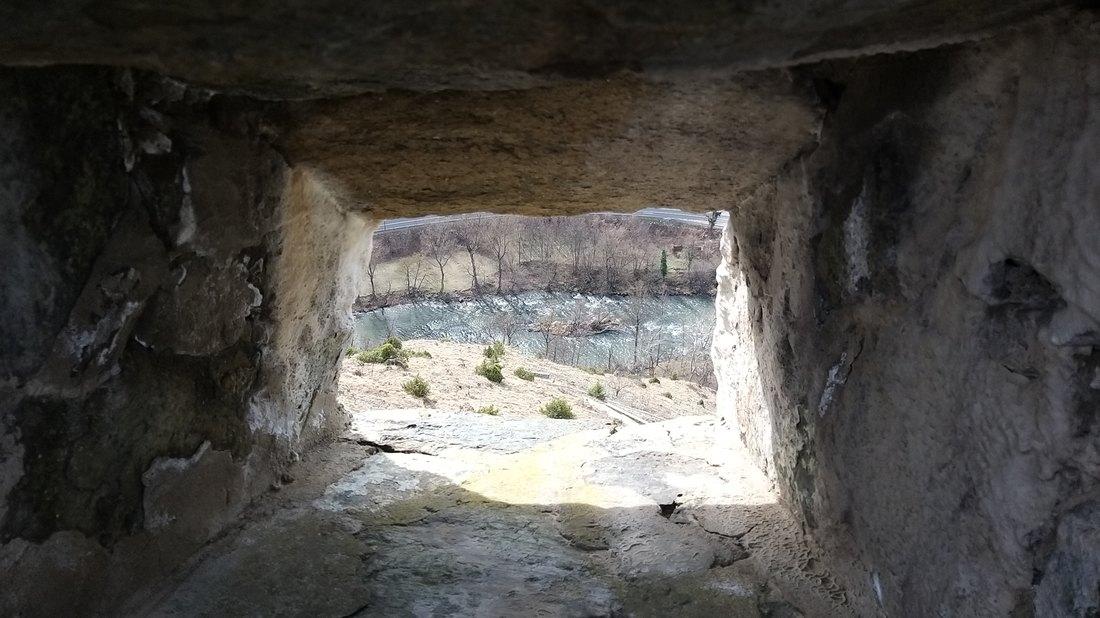 Otkriveni novi prolazi u pećini ispod Predjamskog zamka