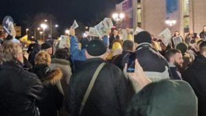 Otpušteni žandarmi na protestu u Novom Sadu