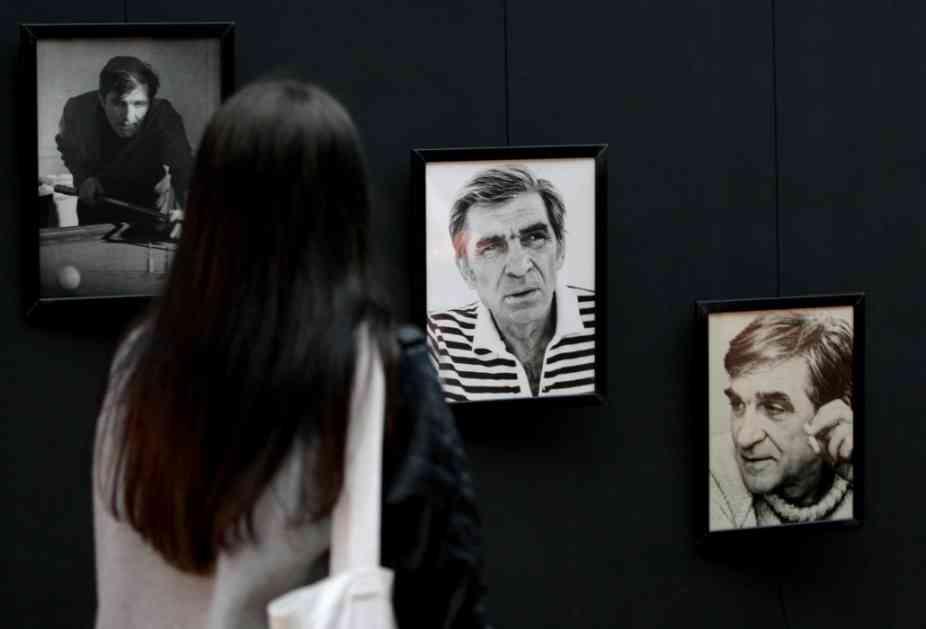 Dela Miroslava Mike Antića i njegovog sina na izložbi Legende