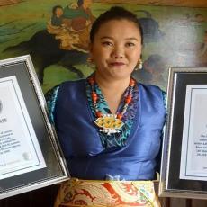 Ova samohrana majke troje dece JE PRAVI HEROJ: Ona je jedina žena koja se na Mont Everest popela ČAK DEVET PUTA
