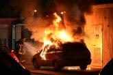 Ovako Rusi gase automobil u plamenu VIDEO