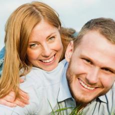 Ovo je VELIKI KORAK, ali mnogim parovima GARANTUJE srećniju i jaču vezu!