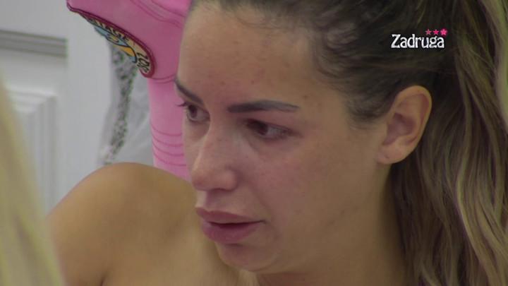 Ovo joj je najteže palo! Iva Grgurić GRCALA U SUZAMA kad je shvatila šta joj je neko od zadrugara uradio! (VIDEO)