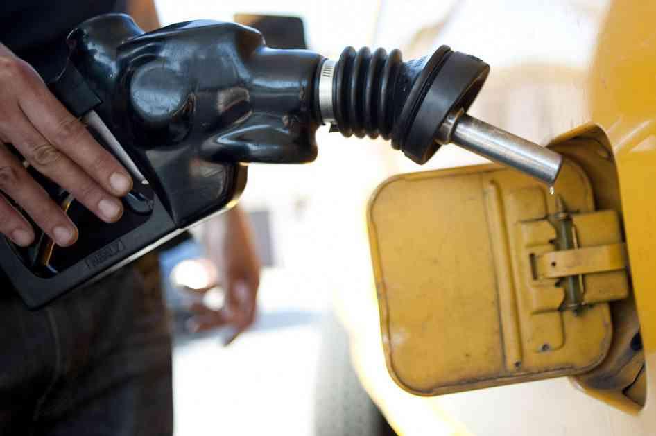 PADAJU CENE GORIVA: U Srpskoj od sutra jeftiniji naftni derivati!