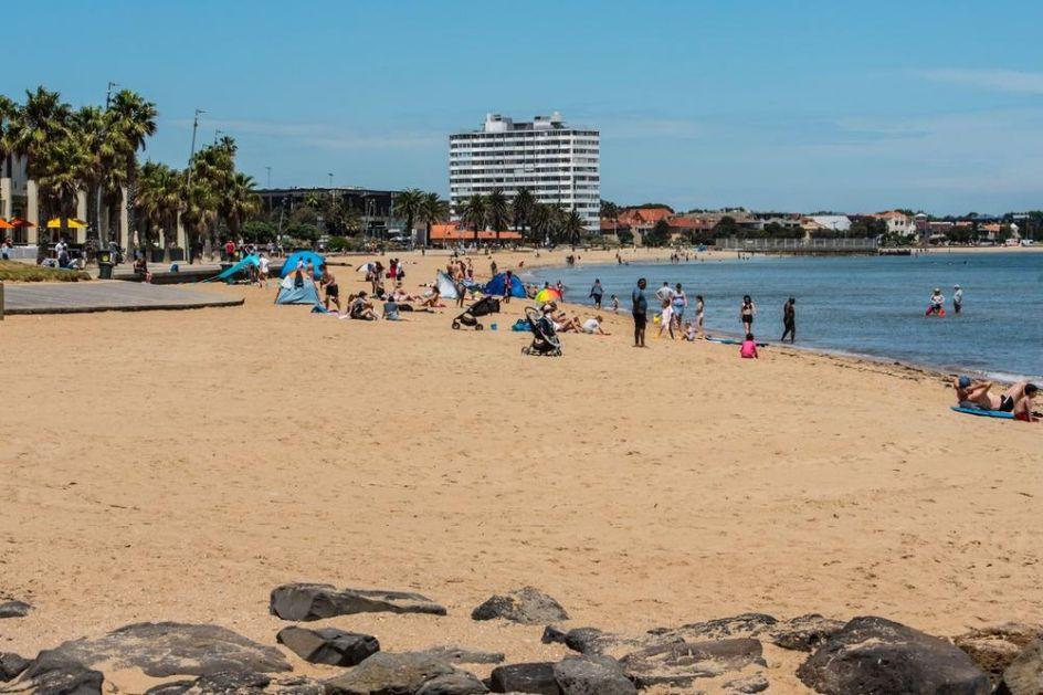 PAKLENE VRUĆINE U AUSTRALIJI: Toplotni talas pogodio zemlju, za vikend se očekuju temeperature i do 50 stepeni (VIDEO)