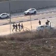 PALA KRV NA KONTROLNOM PUNKTU: Palestinac probio rampu, pregazio Izraelca, odgovor je bio strahovit (VIDEO)