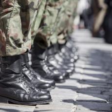 PALA OSTAVKA U VOJSCI: Drugi čovek generalštaba drugovao sa licem protiv koga se vodi istraga