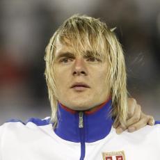 PAMTIMO GA KAO PLAVOG MOMKA DUGE KOSE: Ne možete ni zamisliti kako DANAS IZGLEDA legendarni Miloš Krasić! Je li moguće?! (FOTO)