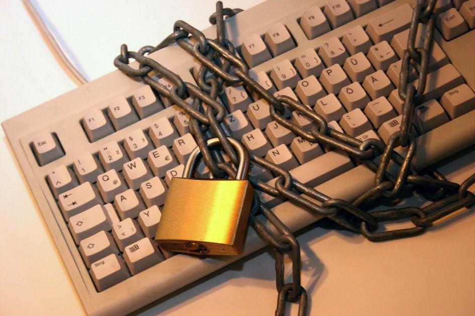 PANIKA NA VEBU! Procureli podaci 1,2 milijarde korisnika Interneta, DA LI STE VI MEĐU NJIMA?!