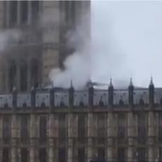 PANIKA U LONDONU: Dim počeo da kulja iz britanskog parlamenta, otkriveno šta se događa (VIDEO)