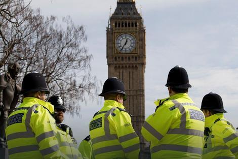 PANIKA U LONDONU U parlament stigao SUMNJIVI PAKET