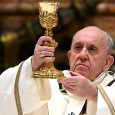 PAPO, MASONSKO-SOROŠEVSKA SOTONO! Očekivane reakcije fanatičnih Hrvata zbog vakcinacije u vrhu Vatikana