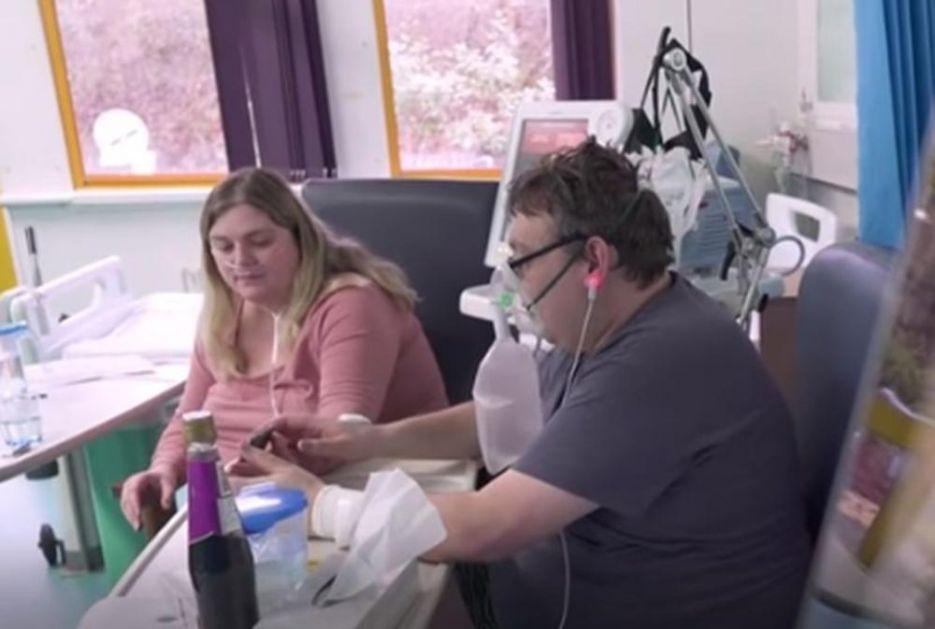 PAR SE VENČAO U KOVID BOLNICI: Rekli su DA dok se mladoženjino stanje pogoršavalo, a onda je on završio na respiratoru VIDEO