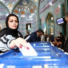 PARLAMENTARNI IZBORI U IRANU: Otvorena birališta, pravo glasa ima oko 58 miliona ljudi (FOTO/VIDEO)