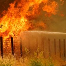 PEČENJE RAKIJE POŠLO PO ZLU! Izazvali požar, povređen čovek (73), pričinjena velika šteta