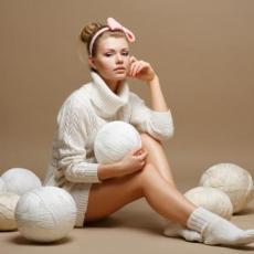 PECKA I ŽARI! Evo kako da od NEUPOTREBLJIVOG džempera dobiješ NAJUDOBNIJI komad GARDEROBE!