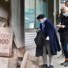 PENZIONERIMA DANAS OD DRŽAVE 3.500 DINARA: Na računima uskoro i druga isplata od 3.000 dinara - a onda stiže i treća
