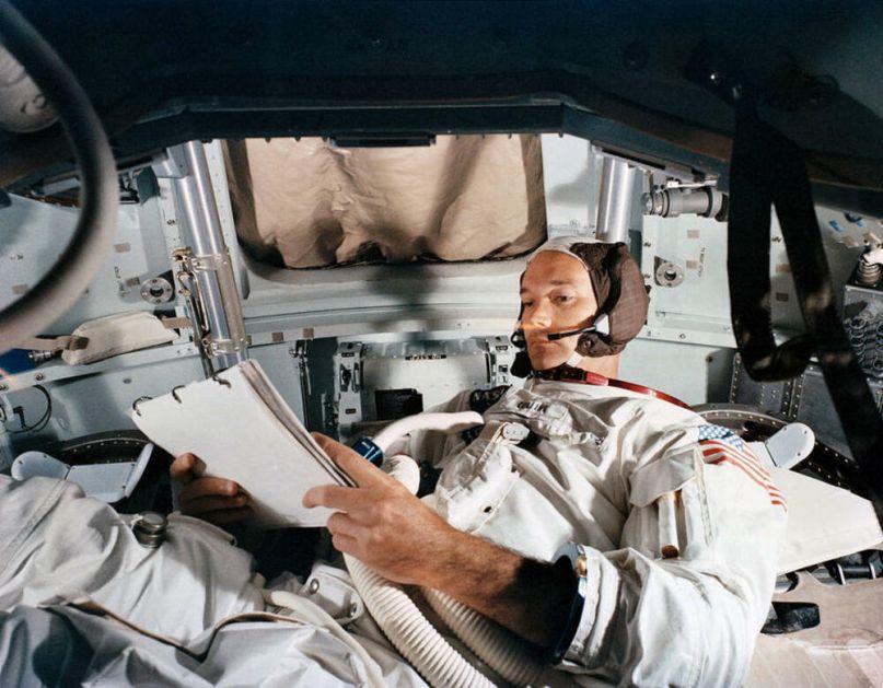 PILOT KOJI JE PRVE LJUDE ODVEO NA MESEC UMRO U 90. GODINI: Majkl Kolins učestvovao u misiji Apolo 11 davne 1969. godine!